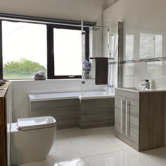 Bathroom-15-white-showroom-nobg